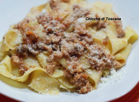 """Pappardelle col ragù di coniglio """"ricetta Toscana"""""""