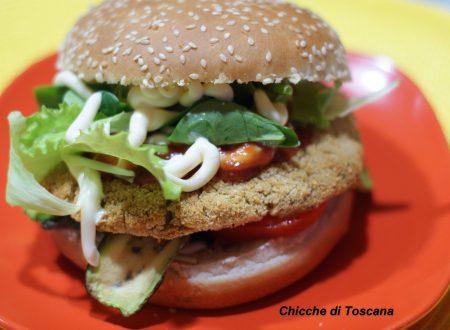 Hamburger di ceci nel panino al sesamo