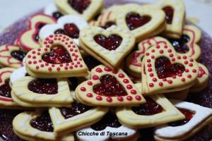 Biscotti a forma di cuore per la mamma