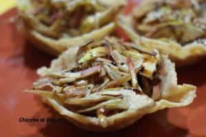Cestini di parmigiano con crudité di carciofi