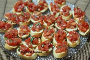 Crostini col pomodoro