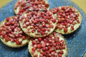 Crostatine con fragoline di bosco