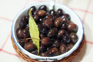 Olive nere sottolio