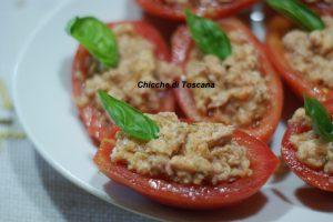 Barchette di pomodoro ripiene alla Toscana