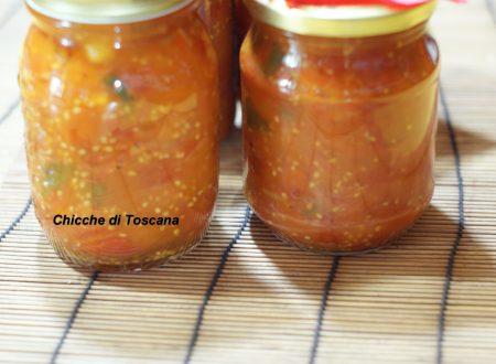 Salsa di pomodorini nel barattolo