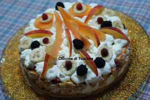 Torta di frutta ai cornflakes senza cottura