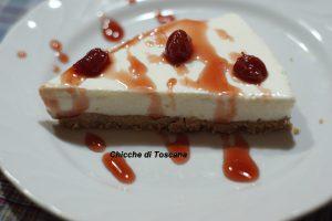Cheesecake di ricotta, yogurt, panna e amarene