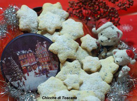 Biscotti Stelle di Natale senza burro e senza latte