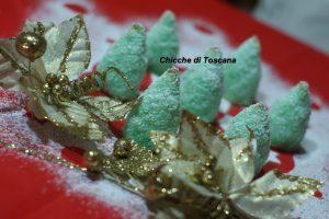 Biscotti al cocco alberi di Natale