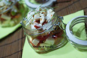 Insalata di pollo con salsa allo yogurt