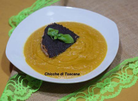 Crema di carote con crostini alle olive